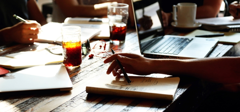 ghostwriting 4 U - erfolgreich, diskret, termingerecht und kostentansparent Bachelorarbeiten, Masterarbeiten und Promotionen vom ghostwriter schreiben lassen